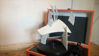 Cer i Greu | Sialens Cerflun Cardfwrdd | Create a Cardboard Sculpture