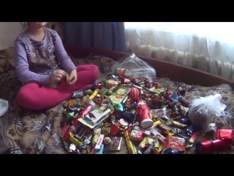 Видео, Новогодние Подарки Конфеты,Карамель,Киндер Шоколад.Christmas Gifts Candy,Caramel,Kinder Chocolate
