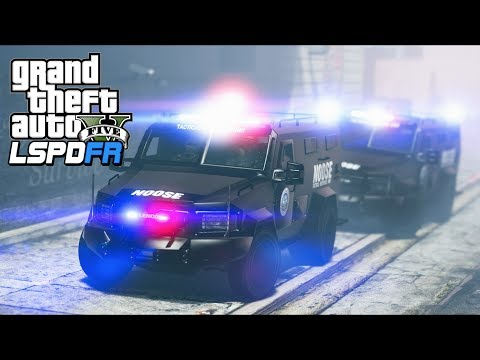 GTA 5 - LSPDFR Ep311 - Two SWAT Squads Protect Police Station From Attack!!