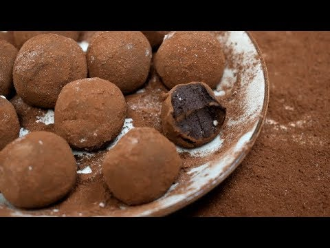Chocolate Truffles With 2 Ingredients / Chocolate Truffles From Cacao And Condensed Milk