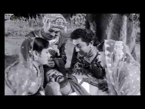 Kitturu Channamma Movie | Dr.Rajkumar last breadth scene | Kannada Emotional Scenes | B Sarojadevi
