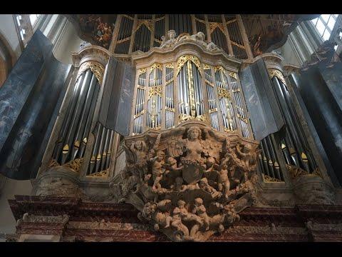 Bernard Winsemius (organ) at the main organ of the Nieuwe Kerk, 01 Aug. 2016, Amsterdam