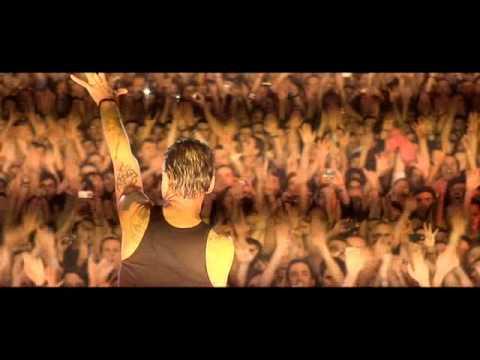 Depeche Mode - Personal Jesus (Live in Barcelona 2009)