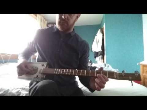 Cigar box guitar G-d-g tuning