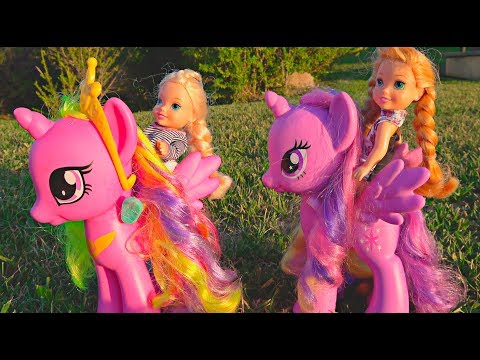 Elsa and Anna toddlers ride their bikes and the ponies- adventures with my little pony
