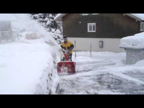 Снегоуборщик бензиновый Husqvarna ST 276 EPT