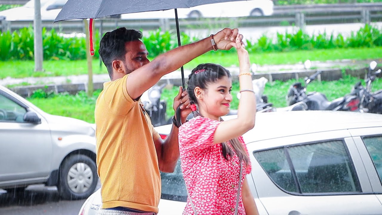Mohabbat barsa dena tum, Sawaan🌧 aaya hai || PRANK GONE ROMANTIC || Oye It's Prank