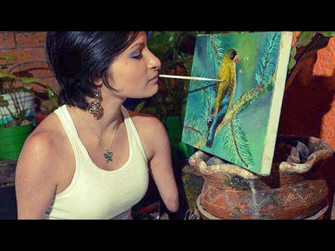 Inspirational: Woman Born Without Limbs Is Incredible Painter