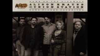 Watch Alison Krauss Momma Cried video