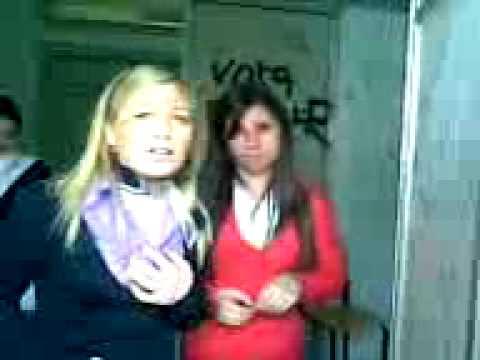 A scuola nel bagno durante l 39 ora di inglese youtube - Nel bagno della scuola ...
