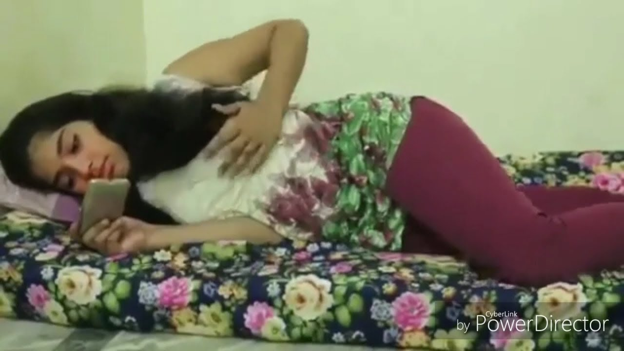Indian Hot Girl Viral Video When Girl Watching Dirty -7065