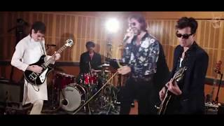 Repeat youtube video Mark Ronson - I Sat By The Ocean (Queens of the Stone Age Cover)