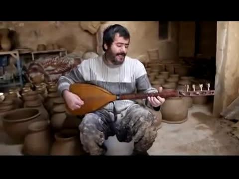 Turkish Çögür player - Hamadan, Iranian Azerbaijan