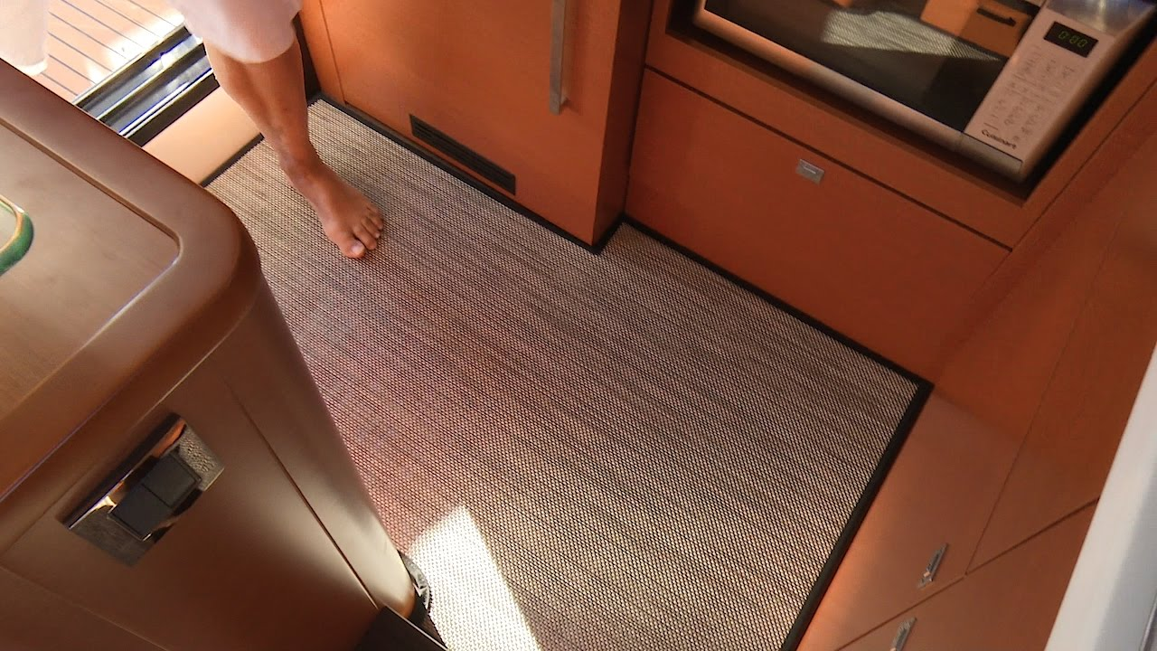 How to make a woven vinyl floor mat with binding