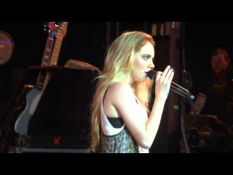 Danielle Bradbery- Born to Fly Cover- 7/21/14