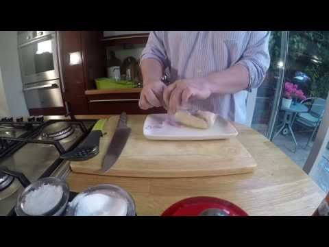 How To 5:2 Diet Recipe - Chicken Ballotine Stuffed With Spinach and Garlic