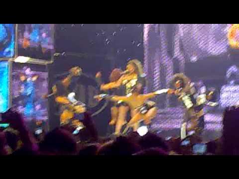 MAD VMA 2010 - Elena Paparizou @ Dancing without music