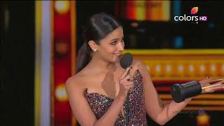 Alia Bhatt Happy Birthday to Katrina Kaif on IIFA Awards