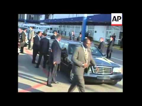 WRAP Medvedev arrives in Havana for official visit ADDS talks with Raul Castro