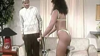 Repeat youtube video Mercedes Salaya Bikini Hilo.flv