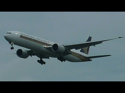 Singapore Airlines flight SQ228 from Melbourne to Singapore flight review Pushback, taxi and takeoff