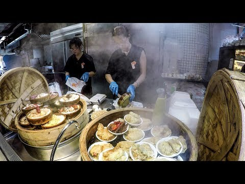 Cooking Dim Sum  for Hundreds. A Look Inside a Chinese Restaurant in Hong Kong