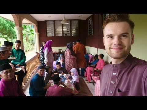 CELEBRATING MY FIRST EID IN MALAYSIA