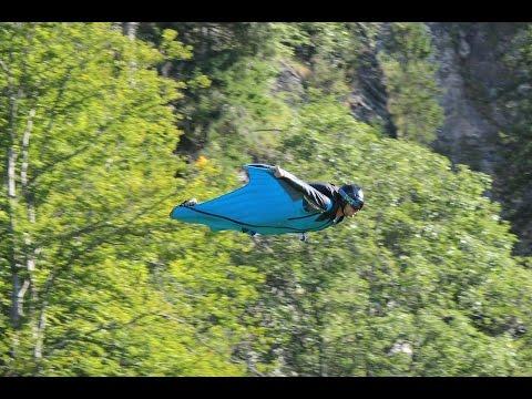 Wingsuit base jumping walenstadt 2015