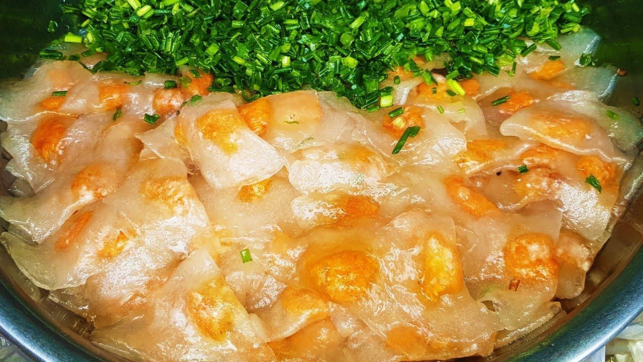 Xe bánh bột lọc 30 năm trên đường phố Sài Gòn hút khách nhờ nước sốt cực ngon   street food saigon