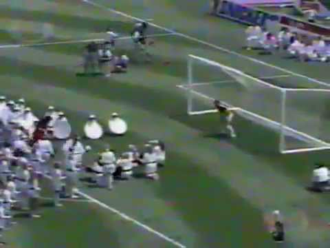 Diana Ross epic FAIL at the 1994 World Cup