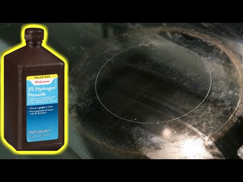 Cleaning stove top with baking soda and Hydrogen Peroxide