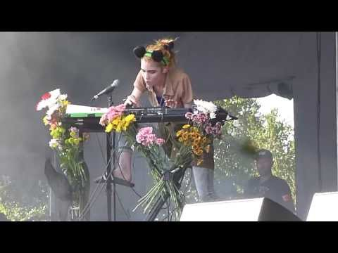 Grimes - Vanessa - 2013 ACL Festival