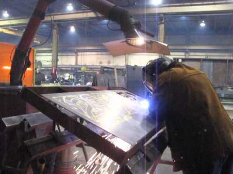 Plasma Cutting Freehand A Steel Fire Ring Panel Youtube