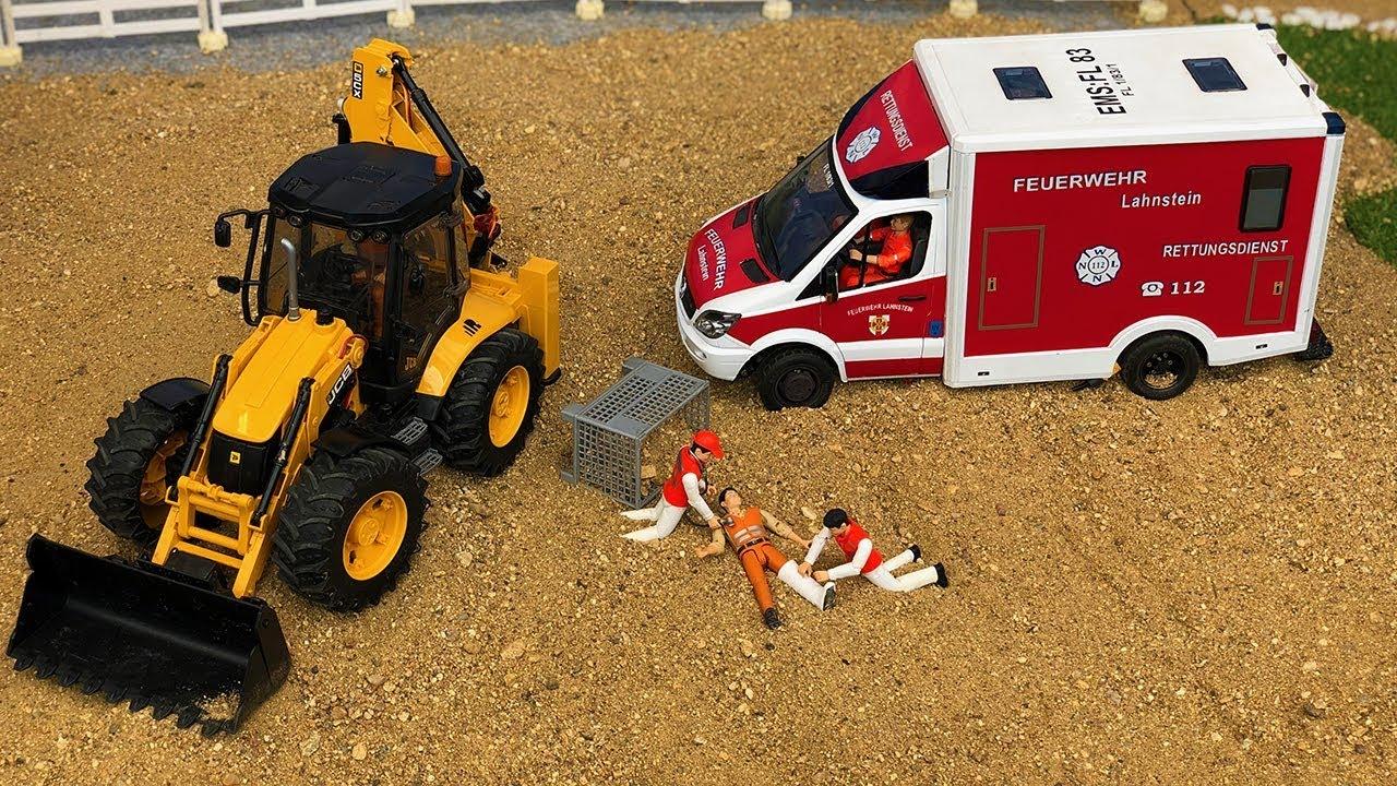 Bruder Ambulance, JCB Backhoe Tractor Excavator Construction Site Action!