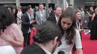 Amy Shark interviewed on her first ARIA Red Carpet (2016)