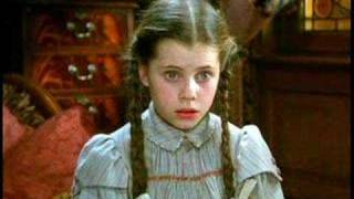 Fairuza Balk - Return to Oz (Strange Little Girl)