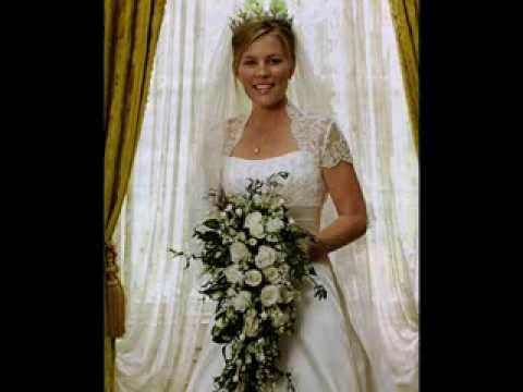OFFICIAL PHOTOS OF ROYAL WEDDINGS - YouTube