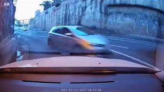Near Collision as Car Enters Wrong Lane at Woolloomooloo, Sydney