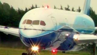 Boeing 787 Dreamliner Prototype -  Wet & Windy Takeoff