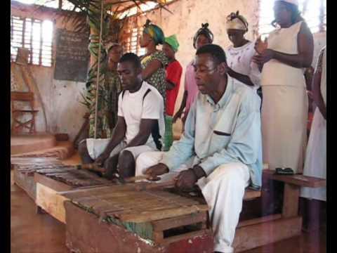 Chant De Noël Avec Balafons Au Cameroun