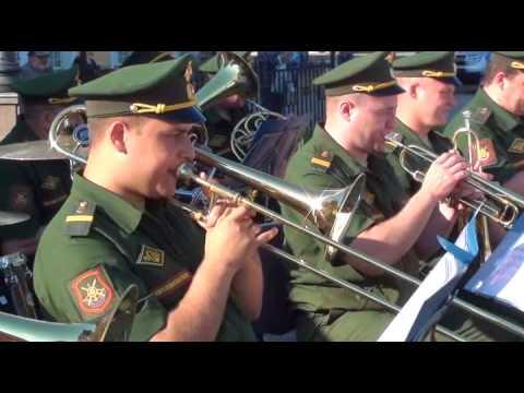 Военный оркестр  г Тейково в гарелинском сквере Иванова 5 08 17 года.