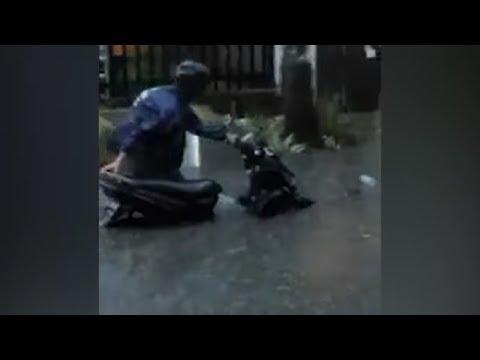 kondisi-terkini-banjir-surabaya,-jawa-timur-|-banjir-di-kota-surabaya,-jawa-timur