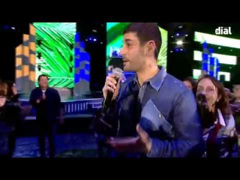 Melendi y Carlos Vives en los Premios Dial