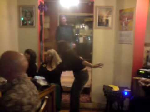 prince harry pub karaoke glorian crazy