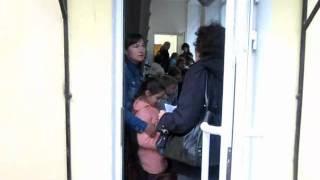 Петербургские дети встали в очереди(Чтобы реализовать свое право на учебу, петербургские школьники должны накануне учебного года пройти неско..., 2011-08-31T11:05:30.000Z)