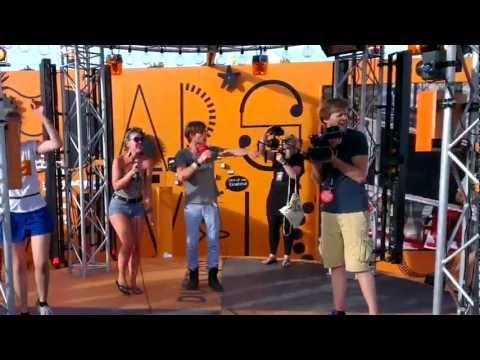 Karaoke met Giel op Nedap's Marvelous Match Making Machine @ LL12