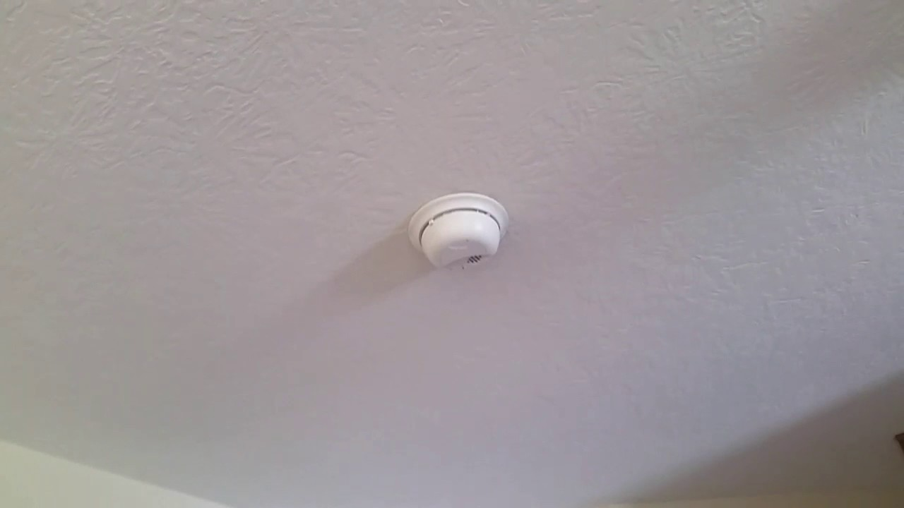 Smoke detectors sounding at my Aunt Laura\'s house - YouTube