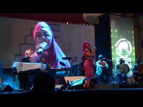 wow keren,,,dodaidi - live  nyawong-dodaidi,  Aceh Internasional Rapai Festifal 2016,