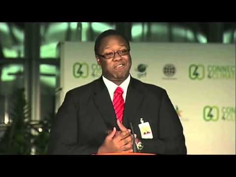 Trini Producer Stephon Gabriel accepts World Bank and MTV award