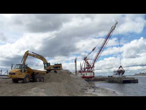 Preview  CDMCS Hand Safety for Dredging and Marine Construction 1